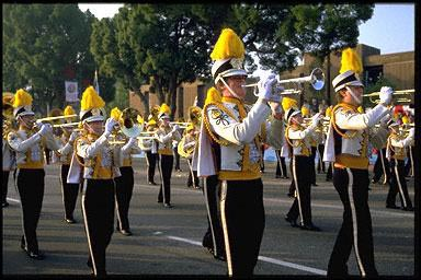 crowd, flute, marching band, music, musical instruments, musicians, play, professional, trumpet, USA, work, talented children